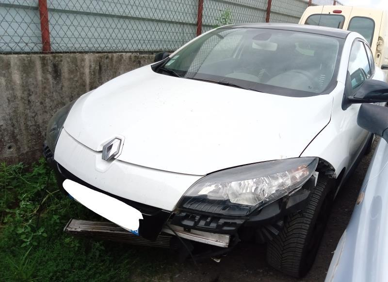 CLERMONT DEMOLITION AUTO Vehicule-RENAULT-MEGANE-3-PHASE-1-COUPE